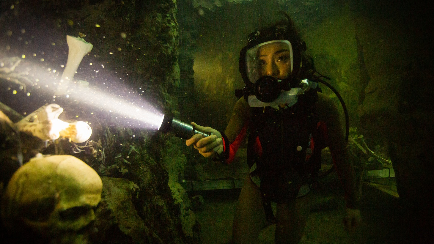 """A scene from """"47 Meters Down: Uncaged."""""""