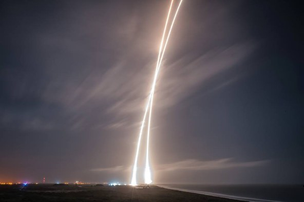 tp151222SpaceX_Launches_and_.jpg