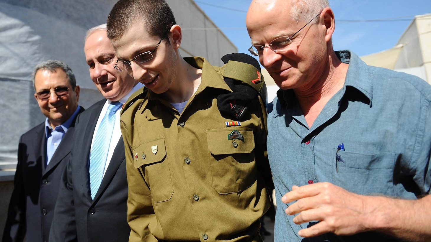 After five years in the Gaza Strip, a captured Israeli soldier has been returned, and Israel has begun to release more than 1000 Palestinian prisoners. On both sides...