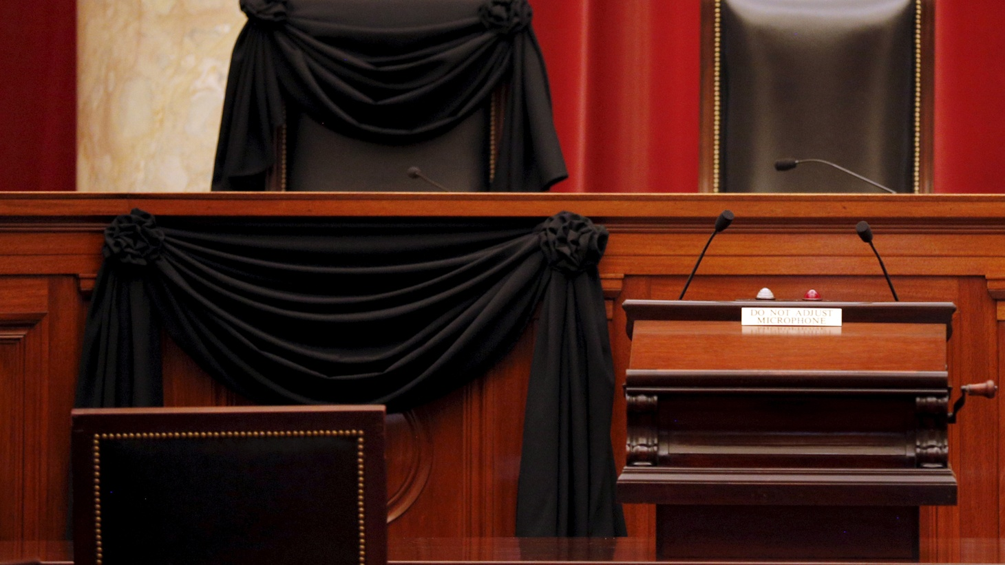 The death of Justice Antonin Scalia leaves the US Supreme Court equally divided, with the battle over his successor just beginning. We hear what's at stake for court cases currently pending, the presidential campaign and the future of America's Third Branch of Government.
