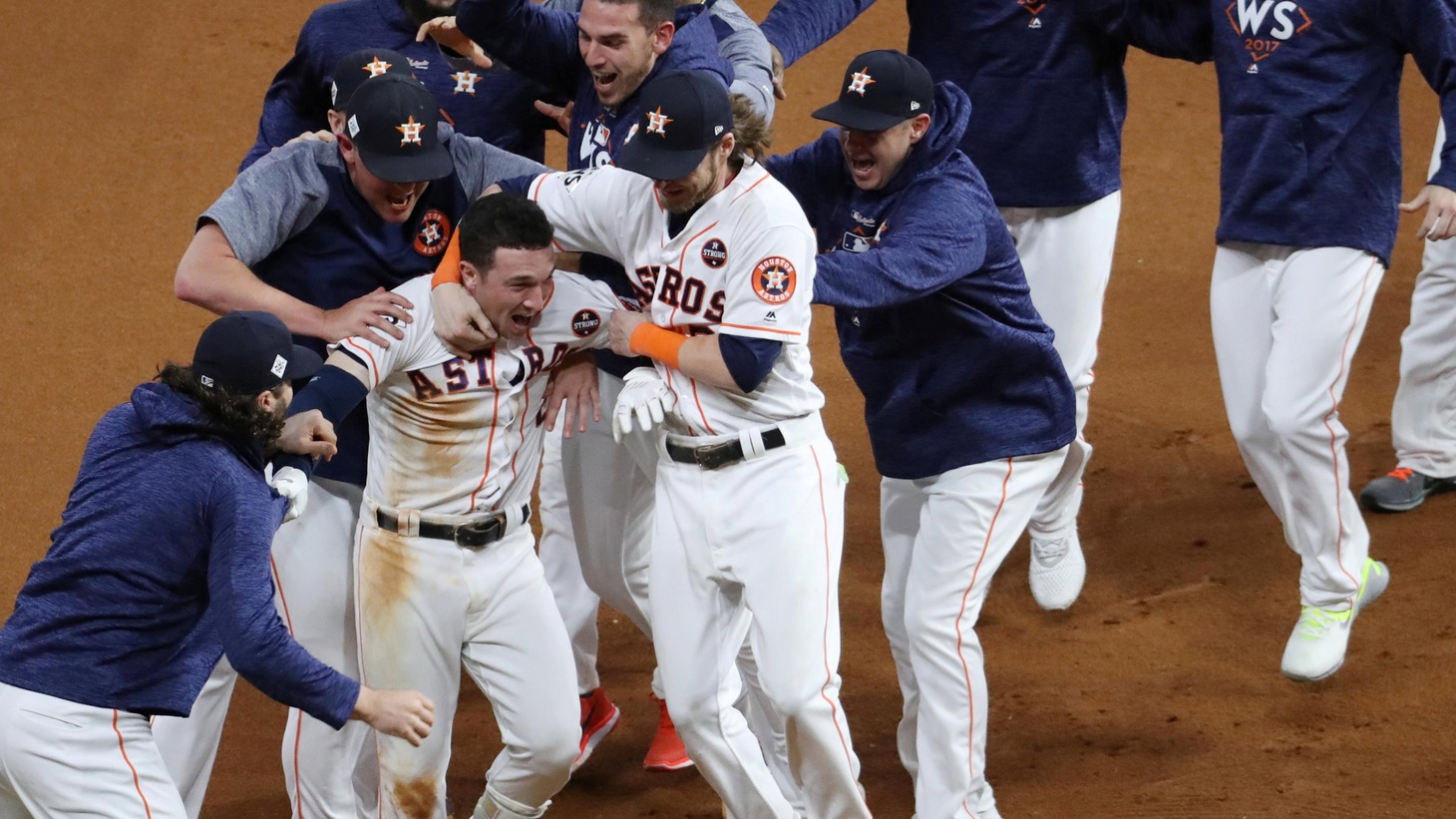 Ten innings… But how many pitching changes… how many lead changes… how many home runs? After last night's fifth game, the Astros lead the Dodgers three games to two in the World Series.