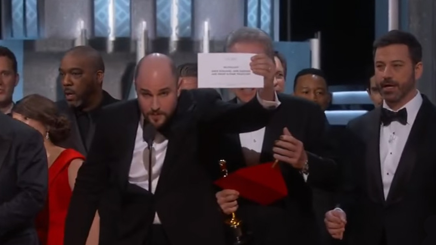 Even if you weren't watching the Oscars last night, you've likely heard that the producer of La La Land had to explain that that his did not win Best Picture after all — after three speeches thanking the Academy. It turned out that the presenters, Faye Dunaway and Warren Beatty, had been given the wrong envelope… as Beatty tried to explain.