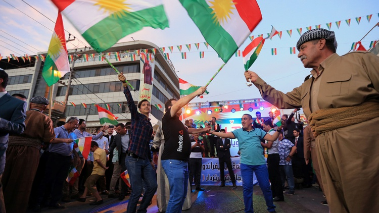Kurds celebrate to show their support for the independence referendum in Duhok, Iraq, September 26, 2017 Photo by Ari Jalal/Reuters 
