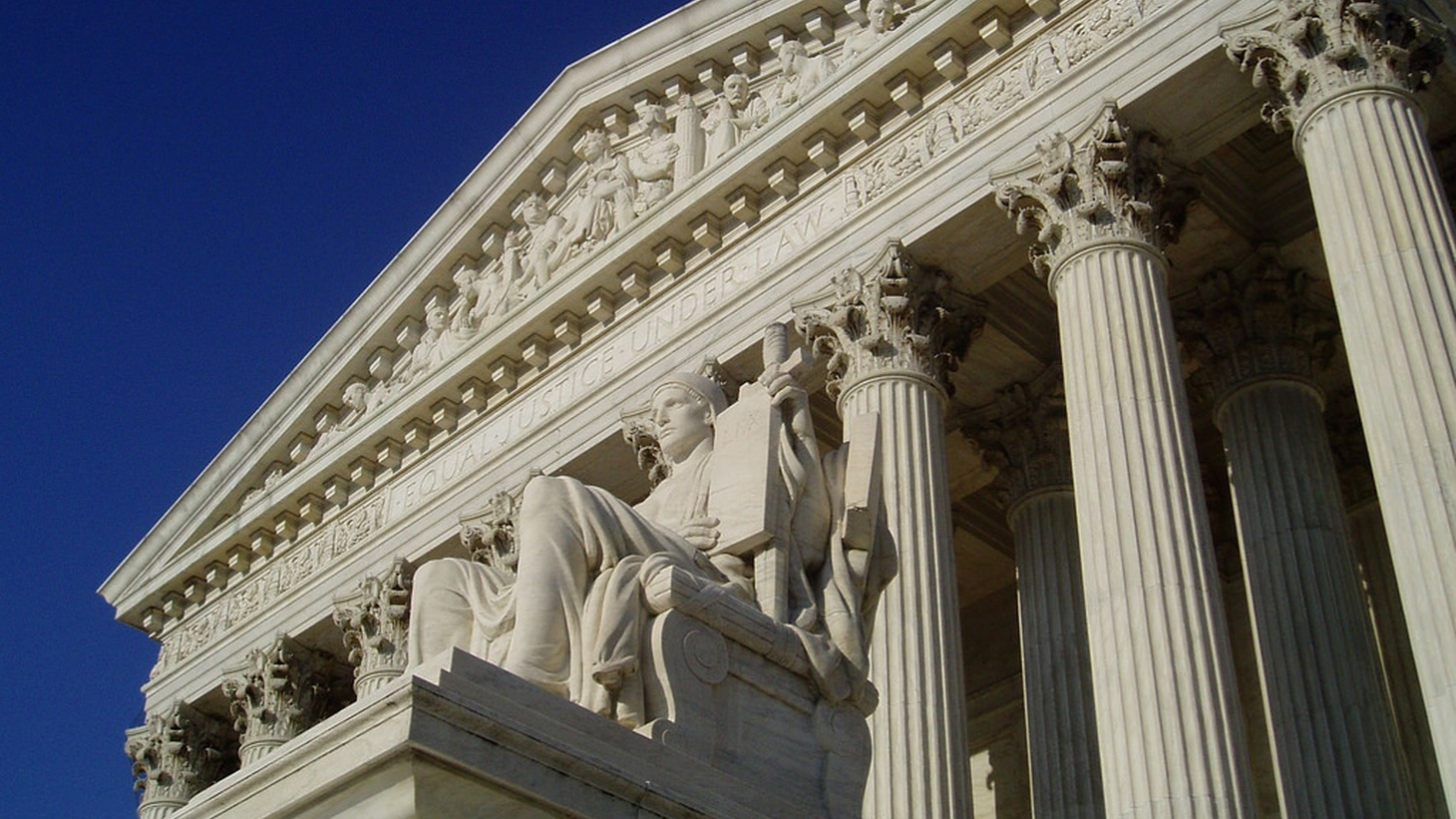 Since the death of Antonin Scalia, Congress has left the US Supreme Court with four liberals, four conservatives and the prospect of deadlock on cases of major importance to millions of people. We look at what to expect from decisions expected this week.