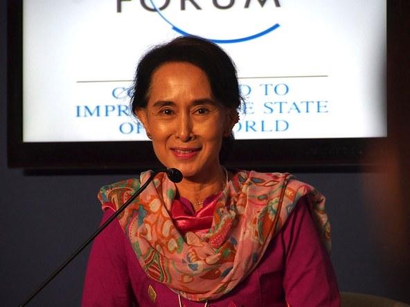 tp151106Myanmar_Election-CGeorge.jpg