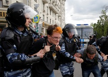Are Russian protests a threat to Putin?
