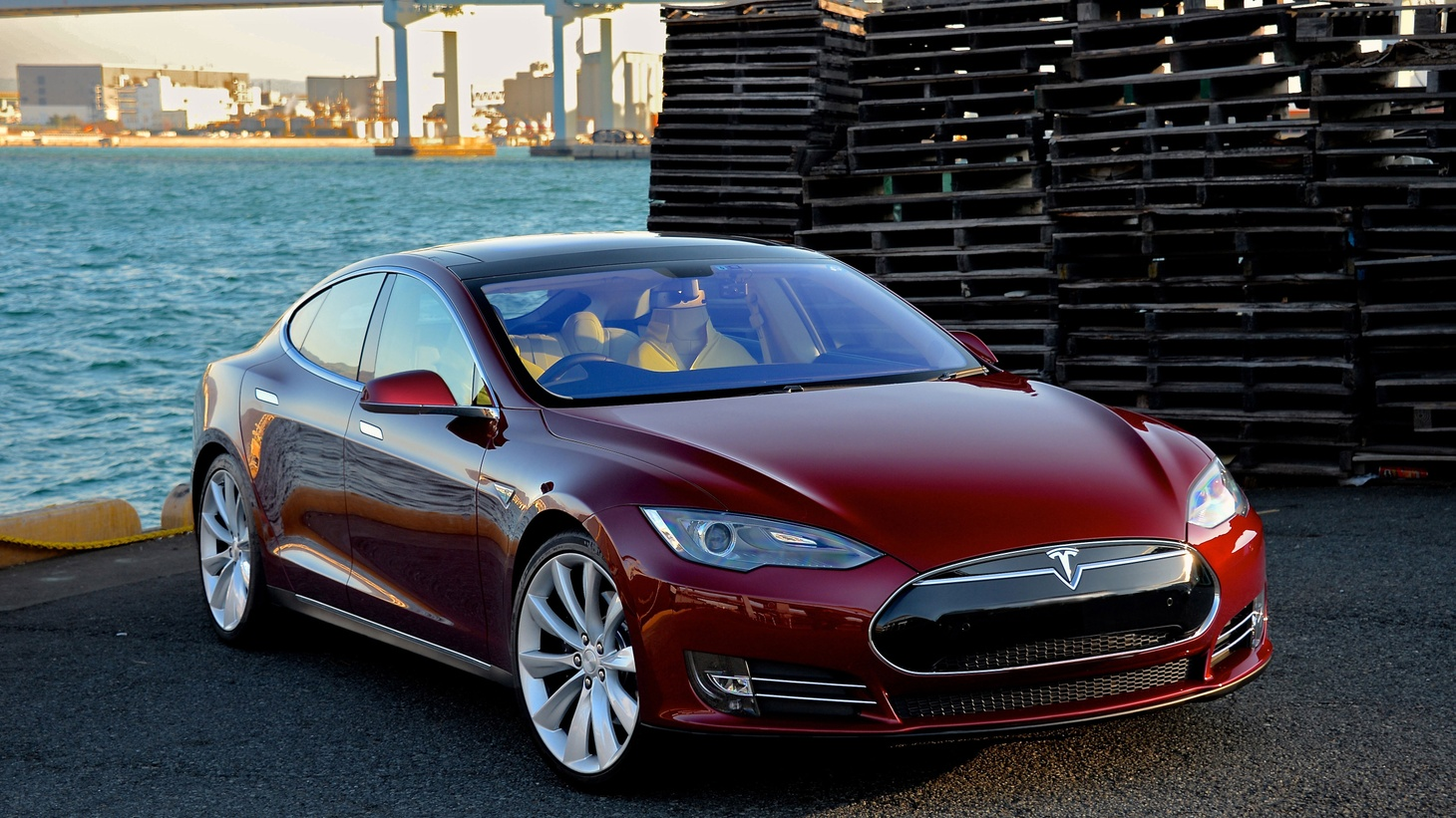 "Some 30 thousand people die in car collisions each year in the U.S. But a single fatal collision this May is suddenly getting special attention. It was the first time that a driver using the Tesla Model S ""Auto­-pilot"" feature died on the road."