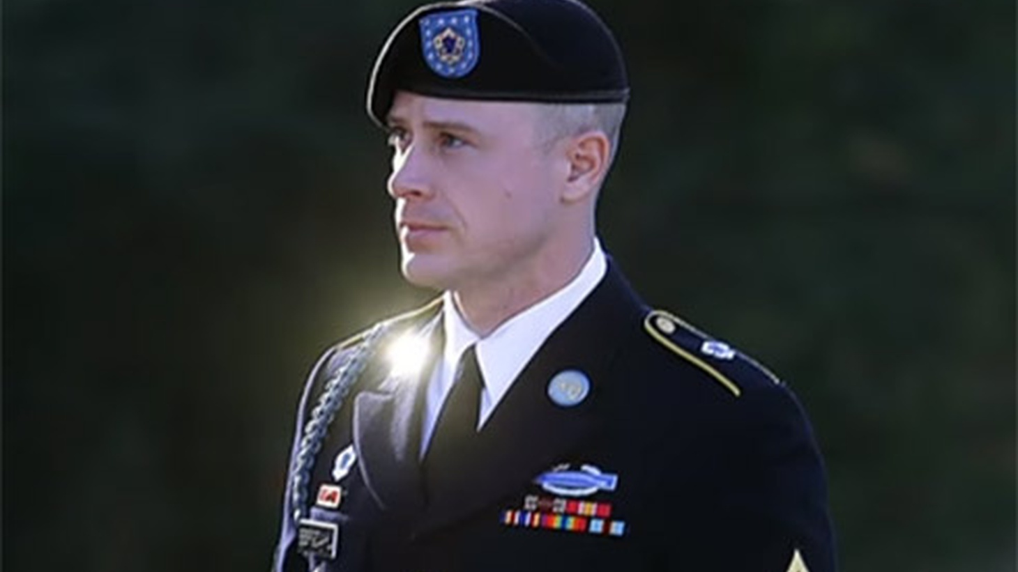 At Fort Bragg, North Carolina today, a shocked courtroom heard a military judge sentence Sergeant Bowe Bergdahl, who pled guilty to deserting his post in Afghanistan and faced life behind bars. The prosecution asked for 14 months. Instead, Bergdahl received a dishonorable discharge, a fine of $10,000 and no jail time at all.