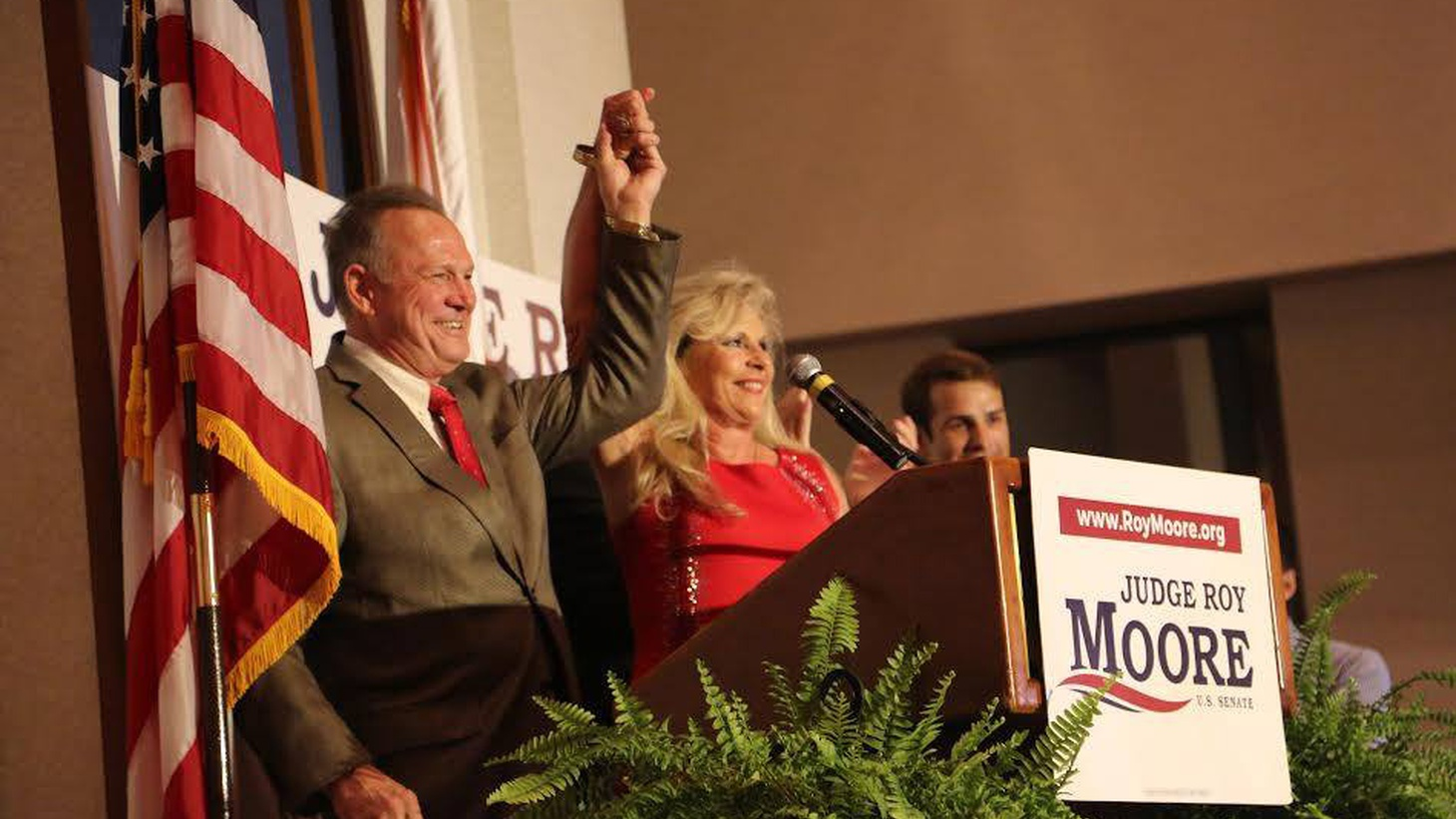 In the aftermath of yesterday's GOP primary in Alabama, President Trump has deleted his tweets supporting incumbent US Senator Luther Strange, the loser. Now, he's all in favor of former Judge Roy Moore, the religious right-winger who brandished a pistol on stage during one campaign rally.
