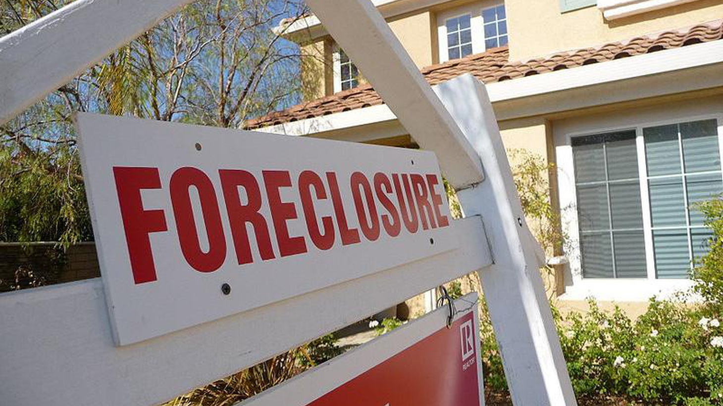 """Monte wants to seize mortgages that are """"underwater"""" and work out more affordable deals so people can stay in their homes. The financial industry threatens retaliation."""