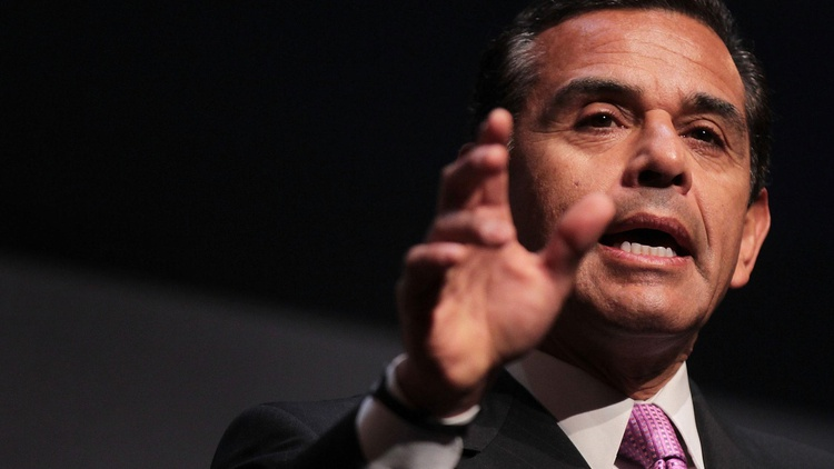 The national press has rediscovered Antonio Villaraigosa, now that he's become president of the US Conference of Mayors. Will he have time to govern LA?