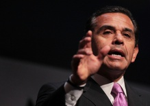 Does Antonio Villaraigosa Have Time to Be Mayor of LA?