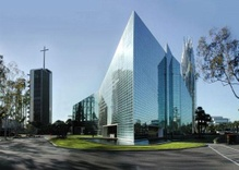 Lawsuit against the Crystal Cathedral Might Force It to Sell