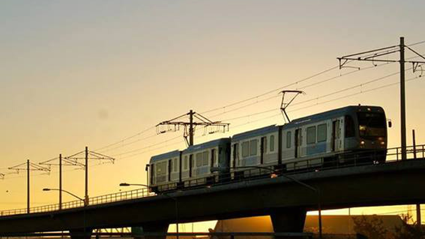 """Today, Metro officials proposed a so-called """"people mover"""" that runs from a new light-rail station to LAX."""