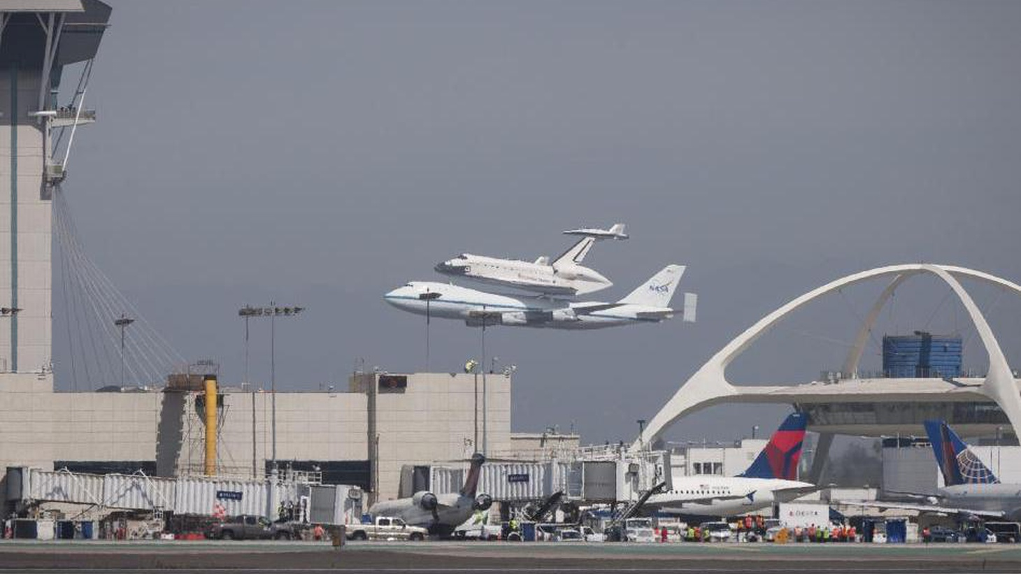 """Inglewood and LA are """"inviting the public"""" to view the Shuttle Endeavour as it proceeds from LAX to the Science Center, but they're making it as difficult as possible."""