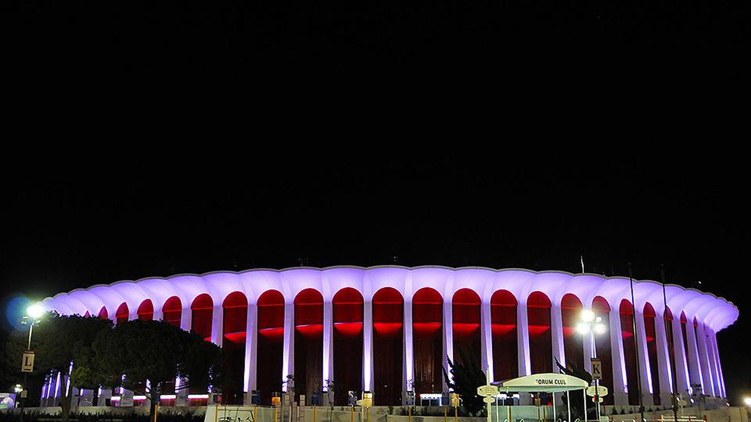 "When the Lakers and Kings moved to Staples Center, ""the music died"" at the Fabulous Forum. Professional sports aren't coming back, but the music is."